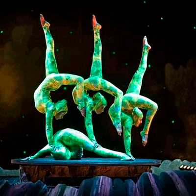 Contortion Group 108258