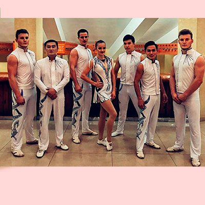 Acrobatic Group 105719