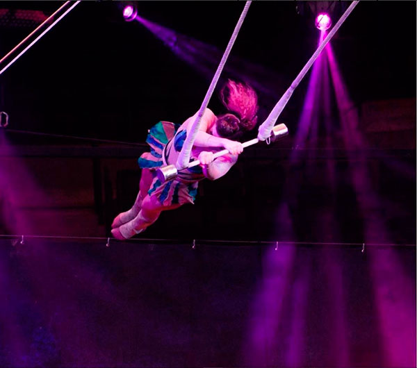 Solo Trapeze 9725 International Talent Agency Quot Rising Stars Quot