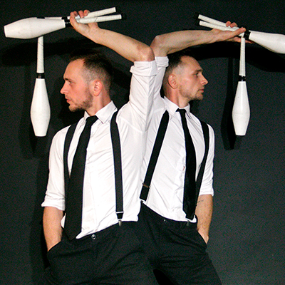 Duo Jugglers 10