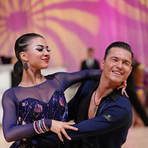 Ballroom Couple 107905