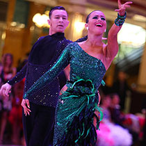 Ballroom Couple 109467