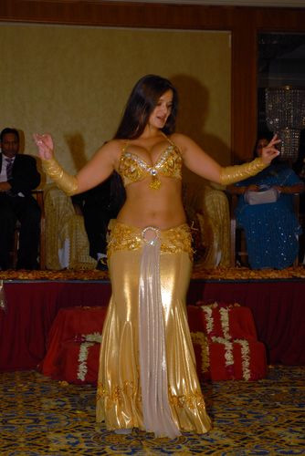 Sexy arab girls dance at party - 2 7