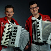 Duo Male Accordions 106337