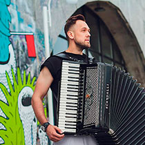 Accordion Player 106386