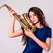 Female Saxophonist 105777