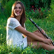 Female Saxophonist 108414