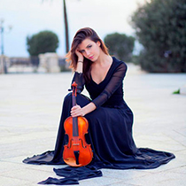 Female Violin Player 105278