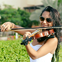 Female Violin Player 108537
