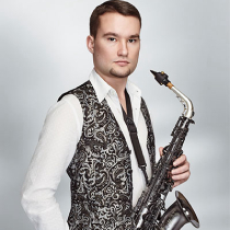 Male Saxophonist 105537