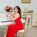 Female Pianist 106296