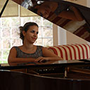 Female Pianist 106574