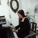 Female Pianist 107622