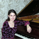 Female Pianist 5176