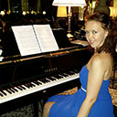 Female Pianist 9706