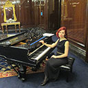 Female Pianist 9860