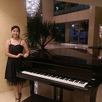 Piano Player 108372
