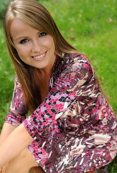 Female Vocalist 200 International Talent Agency Quot Rising