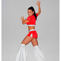Solo Dancer On Stilts And Roller Skates 106686
