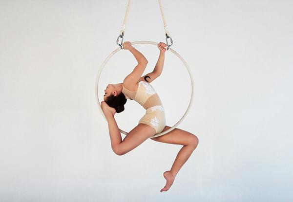 гимнастка на кольце картинки живот