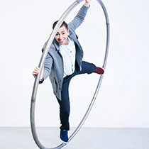 Cyr Wheel And Juggling 109380